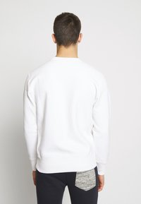Champion Reverse Weave - BASICS CREWNECK - Sweatshirt - white - 2