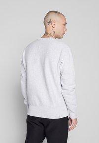 Champion Reverse Weave - CREWNECK - Sweatshirt - light grey - 2