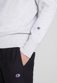 Champion Reverse Weave - CREWNECK - Sweatshirt - light grey - 5