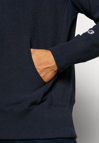 Champion Reverse Weave - LOGO HOODED - Bluza z kapturem - nny - 5