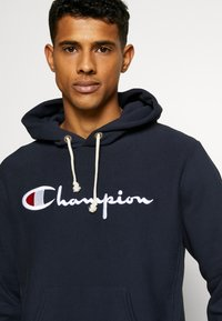 Champion Reverse Weave - LOGO HOODED - Bluza z kapturem - nny - 3