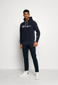 Champion Reverse Weave - LOGO HOODED - Bluza z kapturem - nny - 1