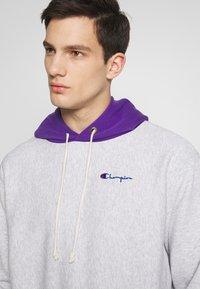 Champion Reverse Weave - HOODED  - Bluza z kapturem - mottled light grey - 3