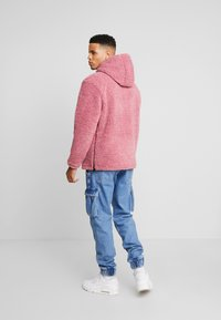 Champion Reverse Weave - HOODED SLIP-ON JACKET - Chaqueta fina - light pink - 2