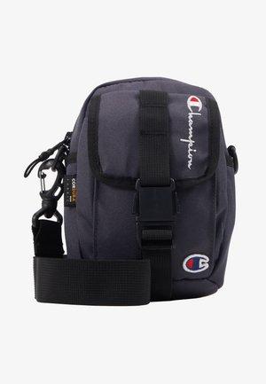 SMALL SHOULDER BAG - Taška spříčným popruhem - blue