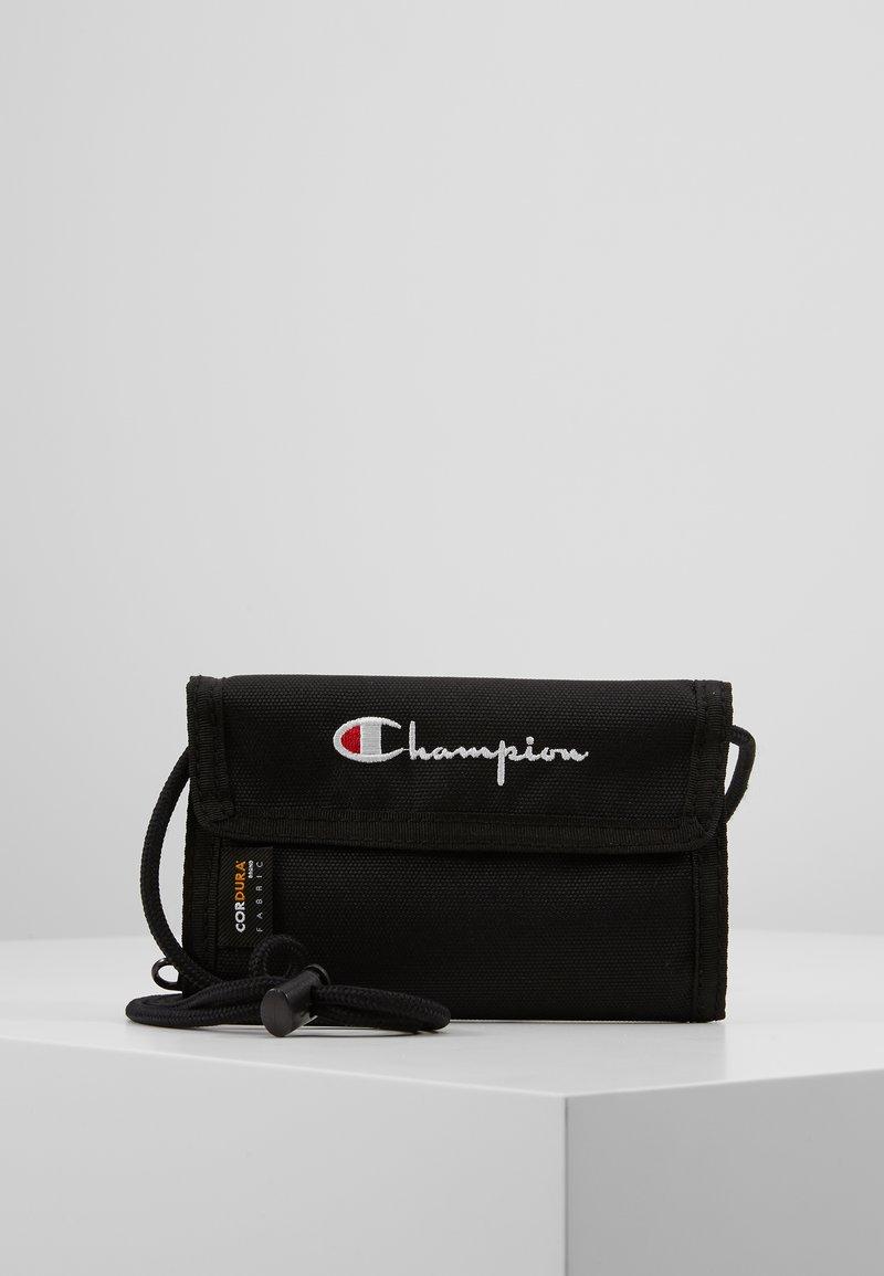Champion Reverse Weave - MINI SHOULDER BAG - Taška spříčným popruhem - black