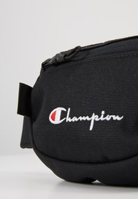 Champion Reverse Weave - BELT BAG - Ledvinka - black - 5