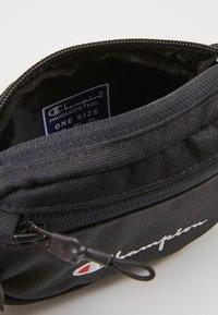 Champion Reverse Weave - BELT BAG - Ledvinka - black - 3