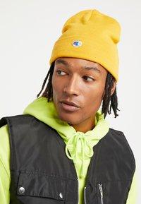 Champion Reverse Weave - LOGO BEANIE - Mütze - yellow - 1