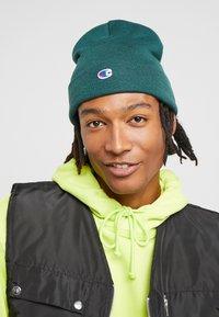 Champion Reverse Weave - LOGO BEANIE - Gorro - green - 1