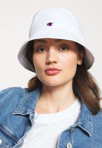 Champion Reverse Weave - BUCKET CAP - Klobouk - white - 4
