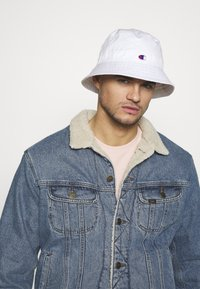 Champion Reverse Weave - BUCKET CAP - Klobouk - white - 1