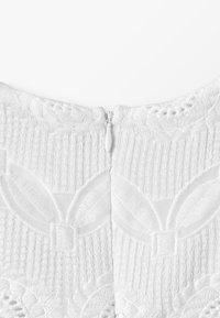 Carrement Beau - ROBE - Koktejlové šaty/ šaty na párty - blanc - 4
