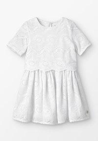 Carrement Beau - ROBE - Koktejlové šaty/ šaty na párty - blanc - 0