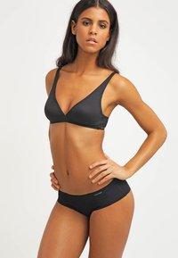 Calvin Klein Underwear - INVISIBLES - Onderbroeken - black - 1