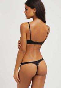 Calvin Klein Underwear - BOTTOMS UP - Stringit - black - 2