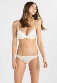Calvin Klein Underwear - SEDUCTIVE COMFORT CUSTOMIZED LIFT - Push-up BH - ivory - 1