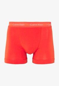 Calvin Klein Underwear - TRUNK 3 PACK - Shorty - minnow/horoscope/inferno - 7