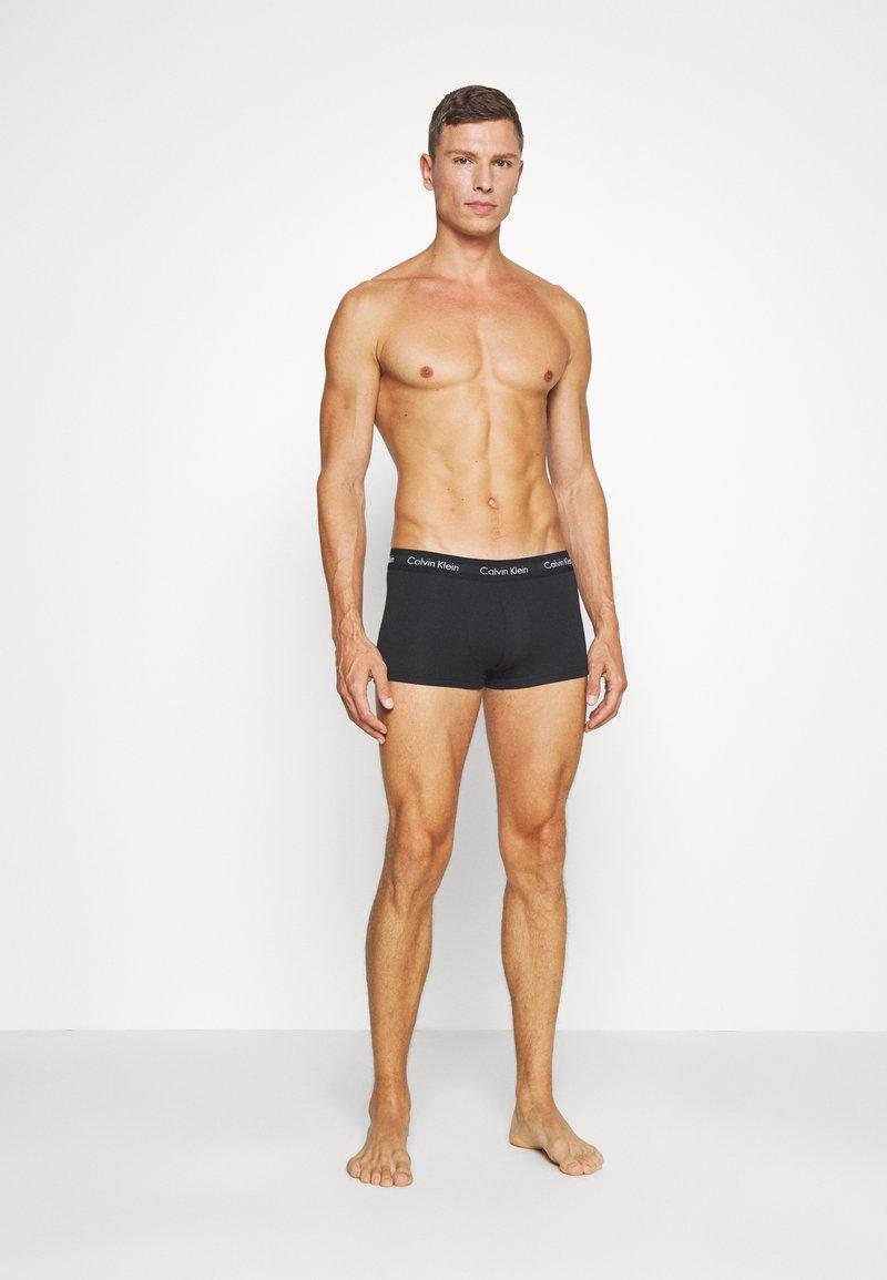Calvin Klein Underwear - LOW RISE TRUNK 3 PACK - Culotte - alligator/grey heather/ black