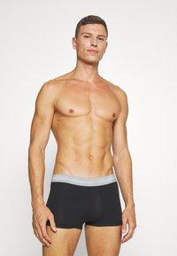 Calvin Klein Underwear - LOW RISE TRUNK 3 PACK - Culotte - alligator/grey heather/ black - 4