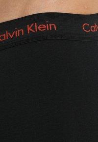 Calvin Klein Underwear - LOW RISE TRUNK 3 PACK - Culotte - black - 6