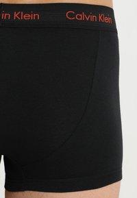 Calvin Klein Underwear - LOW RISE TRUNK 3 PACK - Culotte - black - 2