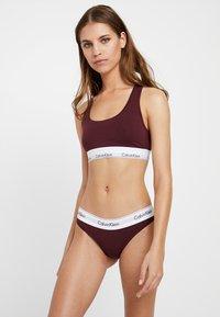 Calvin Klein Underwear - Slip - deep maroon/white - 1