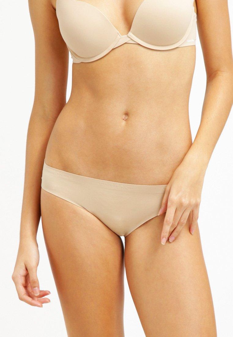 Calvin Klein Underwear - PERFECTLY FIT - Kalhotky/slipy - bare