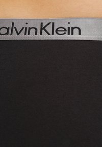 Calvin Klein Underwear - RADIANT COTTON  - Figi - black - 3