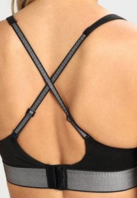 Calvin Klein Underwear - PLUNGE PUSH UP - Multiway / Strapless bra - black - 5