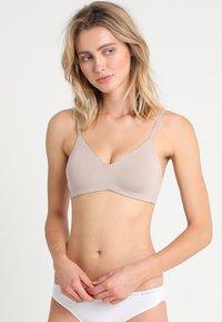 Calvin Klein Underwear - UNLINED  - Triangle bra - grey - 0