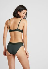 Calvin Klein Underwear - LIGHTLY LINED DEMI - Sujetador básico - duffel bag - 2