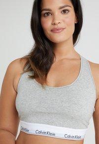 Calvin Klein Underwear - MODERN PLUS UNLINED BRALETTE - Bustino - grey heather - 3
