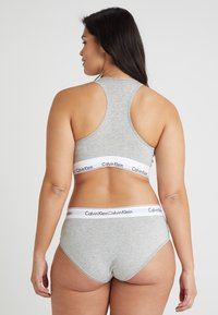 Calvin Klein Underwear - MODERN PLUS UNLINED BRALETTE - Bustier - grey heather - 2