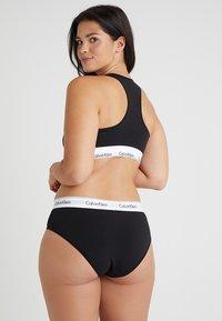 Calvin Klein Underwear - MODERN PLUS UNLINED BRALETTE - Topp - black - 2