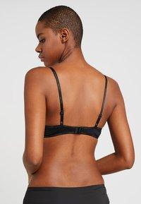 Calvin Klein Underwear - FLIRTY PLUNGE - Push-up bra - black - 2