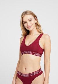 Calvin Klein Underwear - MODERN UNLINED BRALETTE - Bustier - raspberry jam - 0