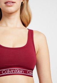 Calvin Klein Underwear - MODERN UNLINED BRALETTE - Bustier - raspberry jam - 5