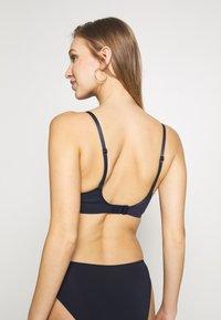 Calvin Klein Underwear - PETAL UNLINED PLUNGE - Triangel-BH - shoreline - 2