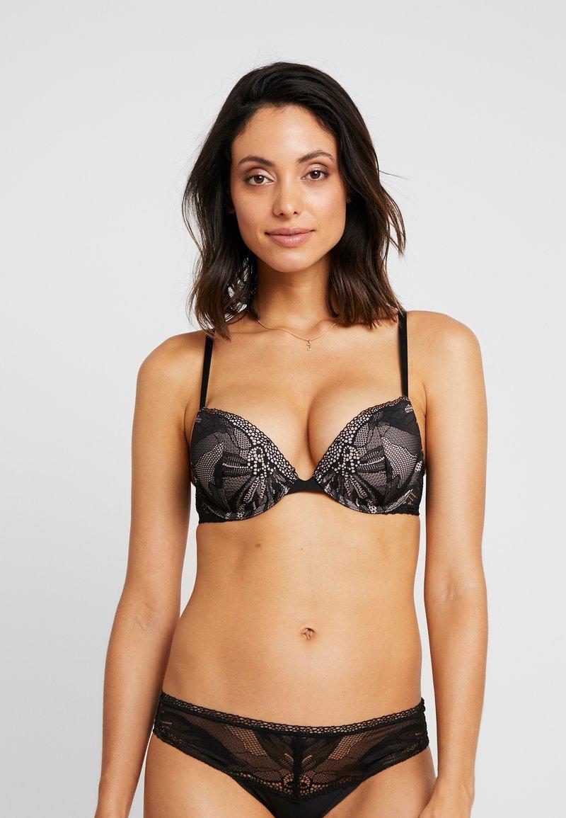 Calvin Klein Underwear - PETAL PUSH UP PLUNGE - Push up -rintaliivit - black