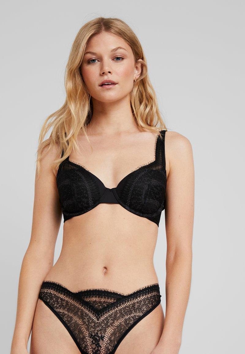 Calvin Klein Underwear - MEDALLION BALCONETTE - Sujetador push-up - black