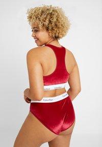 Calvin Klein Underwear - MODERN PLUS SIZE UNLINED BRALETTE - Bustier - raspberry jam - 2