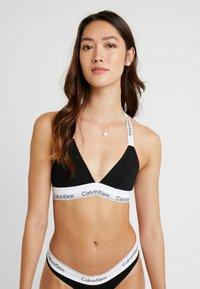 Calvin Klein Underwear - MODERN BRANDED STRAP TRIANGLE - Triangel-BH - black - 0