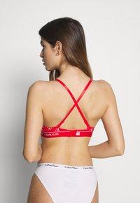 Calvin Klein Underwear - ONE MICRO PLUNGE - Multiway / Strapless bra - red - 4