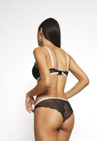 Calvin Klein Underwear - ONE UNLINED - Triangel BH - black - 2