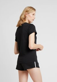 Calvin Klein Underwear - CREW NECK - Koszulka do spania - black - 2