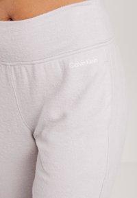 Calvin Klein Underwear - TEXTURED JOGGER - Pyjamahousut/-shortsit - gray lavendar hecci - 4