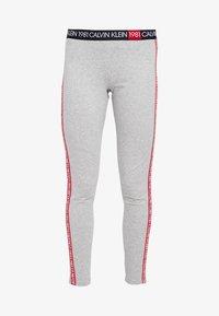 Calvin Klein Underwear - 1981 BOLD LOUNGE LEGGING - Pyjama bottoms - grey heather - 3