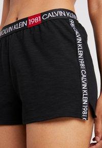 Calvin Klein Underwear - BOLD LOUNGE SLEEP SHORT - Nattøj bukser - black - 4