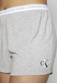 Calvin Klein Underwear - ONE LOUNGE SLEEP SHORT - Pyjamabroek - grey heather - 3